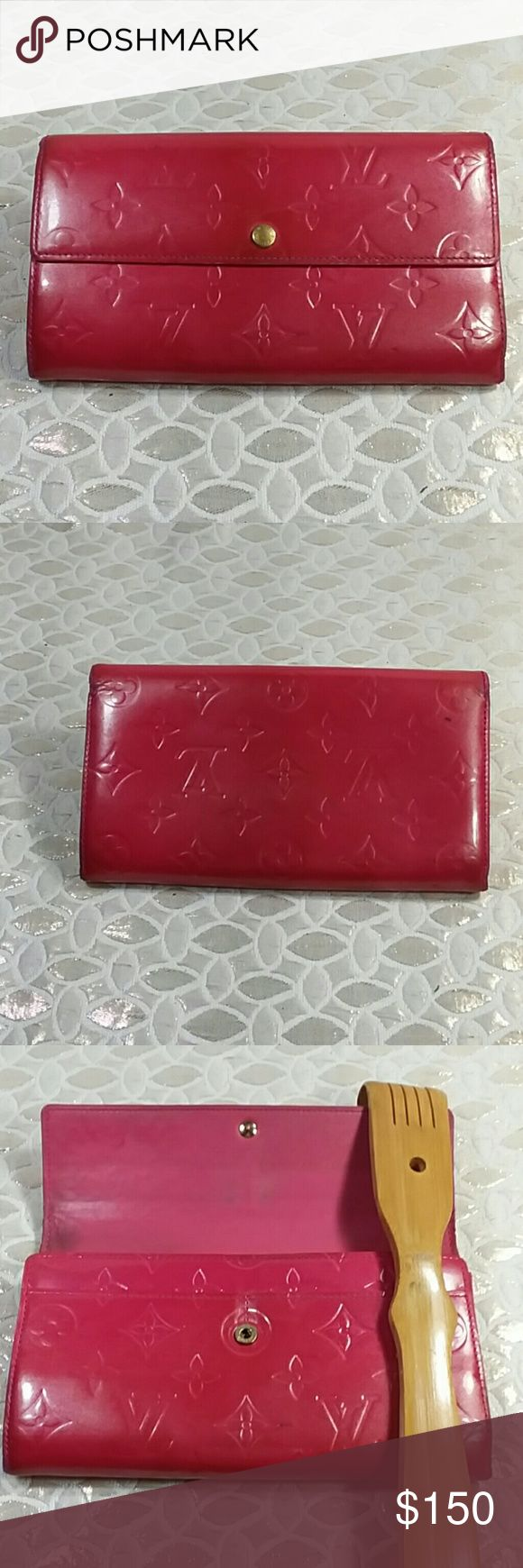 Authentic Louis Vuitton Sarah Long Wallet. Leather had some stains and showed wearing on the corners due to folding. The wallet was made in France with a,date codeTH 0030. The dimension is 4, 7 and 1. Louis Vuitton Accessories