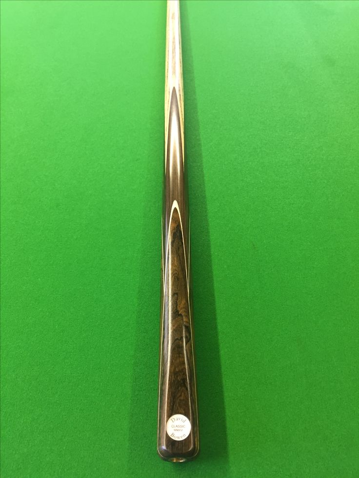 David Bowen Aristocrat snooker cue with African Blackwood and Ziricote splices. Hand made snooker cue.