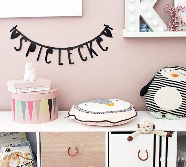 wohnen mit kindern ein diy tipi als spielecke im wohnzimmer f r kinder n hen pinterest. Black Bedroom Furniture Sets. Home Design Ideas