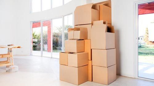 Boston Moving Companies offer a full range of moving and packing services for all the clients who reside in Boston Chelsea, MA. Our team solves your all commercial and home moving facilities. No matter its local or long distance, if you hire our services our team provides you complete solution regarding your troubles. Pick up your phone and make a call for more information. https://www.michaelsmovers.com/
