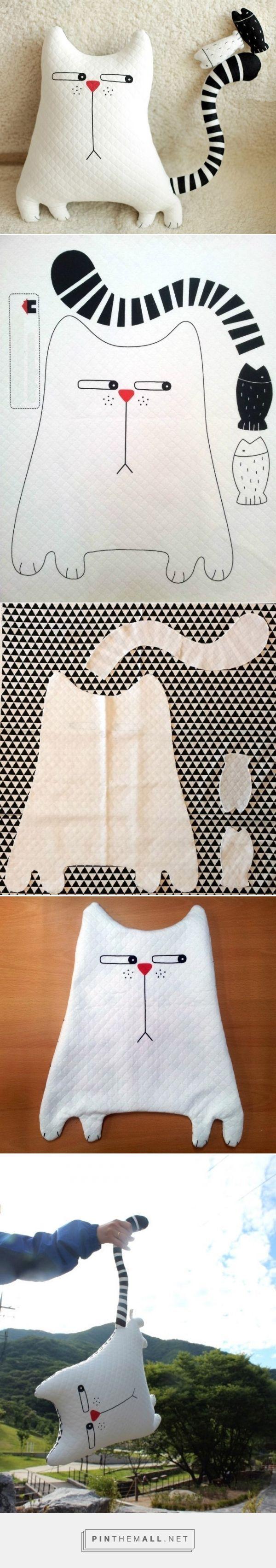 white stripes Stuffed Cat Pillow Tutorial. Кот-подушка  ~ HandMadiya.com… – a grouped images picture - sound.saar.city/