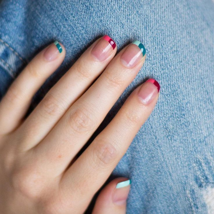 46 Mismatched Nail Ideas You Ll Want To Copy Immediately French Tip Nails Rainbow Nails Nail Tips