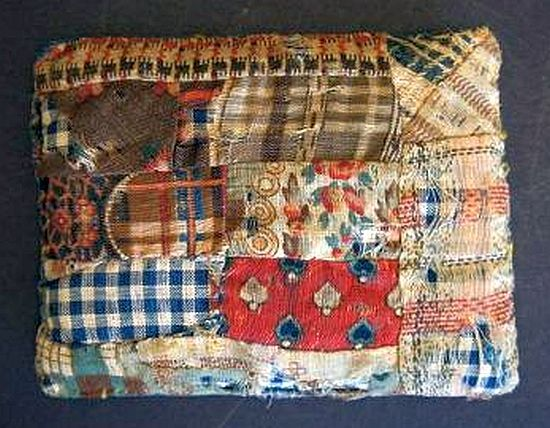 Little Antique Quilted Doll Bed Pillow Miniatyrquilts
