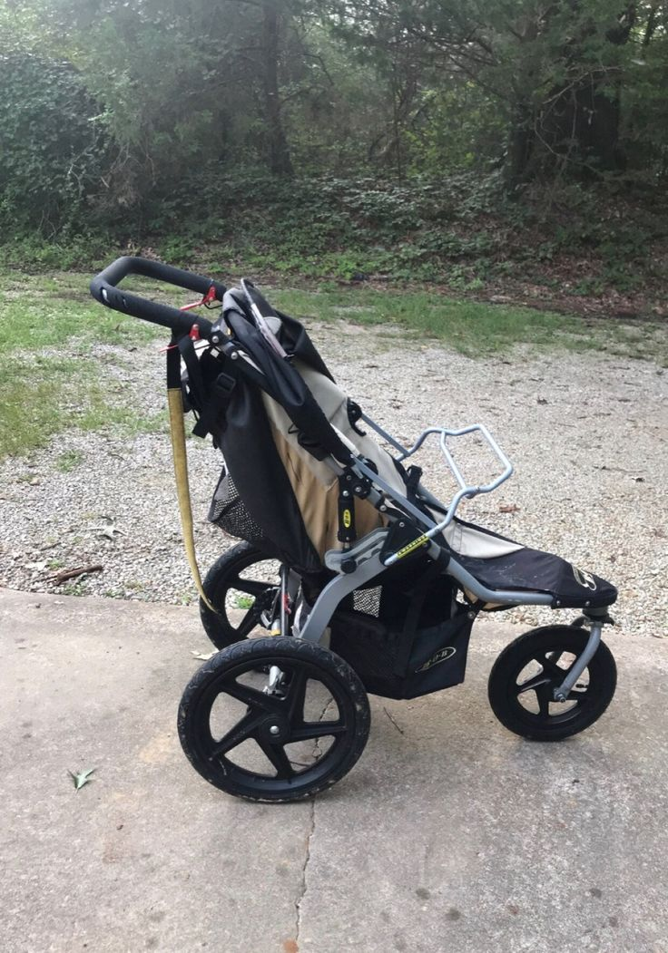 BOB Revolution Stroller. Black. Used Bob revolution