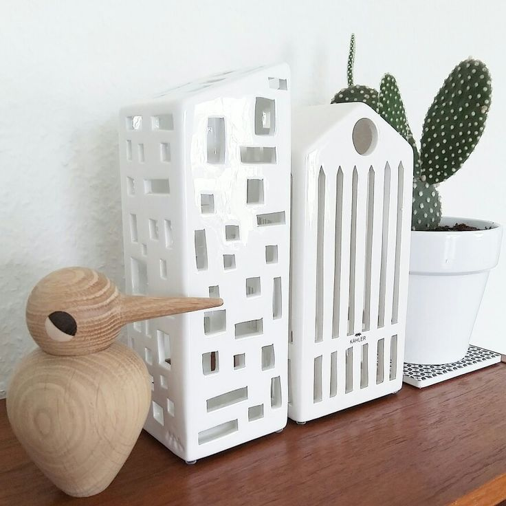Kähler lighthouses, bird from Architectmade and a prickly cactus
