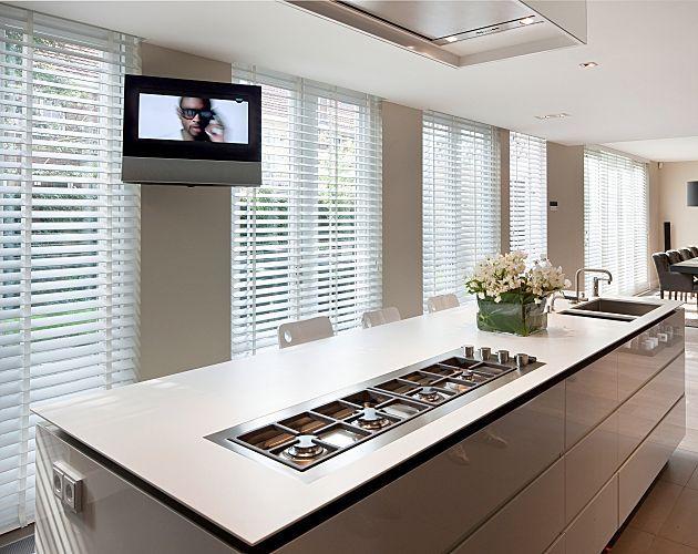 Smart and fresh white wooden venetian blinds