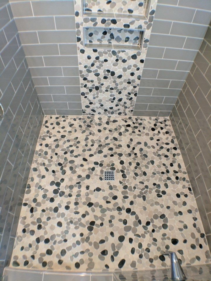 Polished Gl Tile Paired With A Flat Pebble For Dramatic Effect In This Dream Shower Remodel More Inspiration Visit Www Twdaz Today
