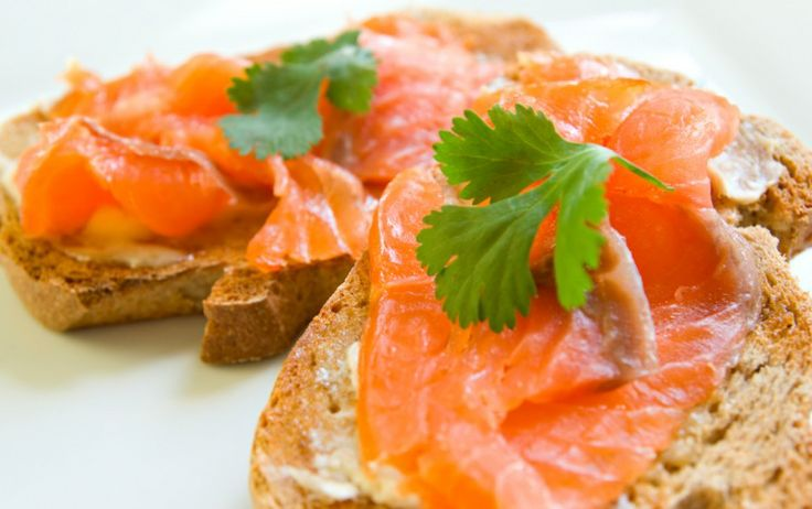 Best Pre-Workout Snacks for Morning Exercise  - Whole Wheat Toast with Low Fat Cream Cheese, Smoked Salmon, and Tomato