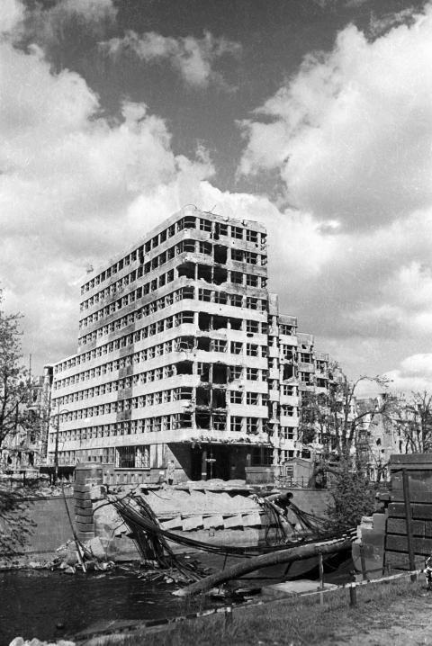 Nachkriegsfotos von Berlin: Die Aufnahmen des Majors Cecil Newman - SPIEGEL ONLINE - Nachrichten - einestages