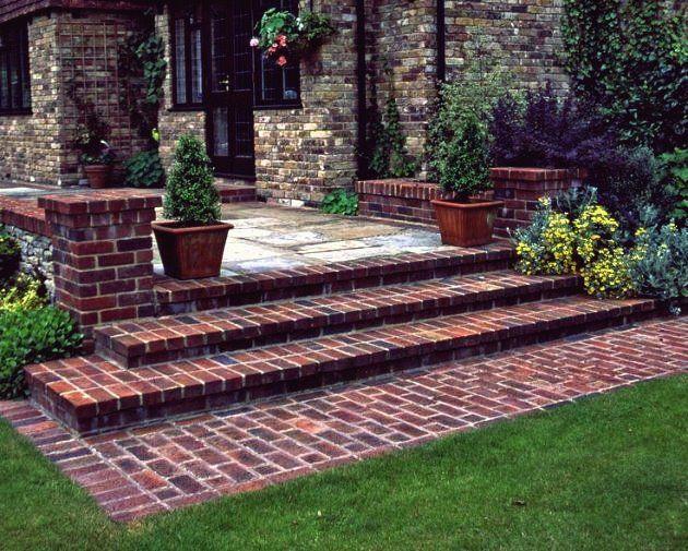 19 Ausgezeichnete Ideen Um Ihren Patio Mit Ziegeln Zu Verschonern Charakter Site Garten Garten Stufen Hof Landschaften