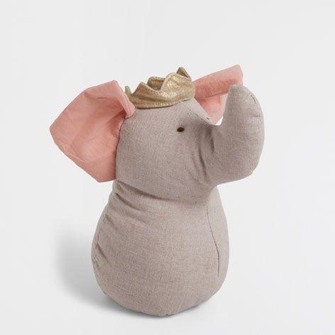 die besten 17 ideen zu elefantenkopf auf pinterest elefantengesicht elefantentattoos und. Black Bedroom Furniture Sets. Home Design Ideas