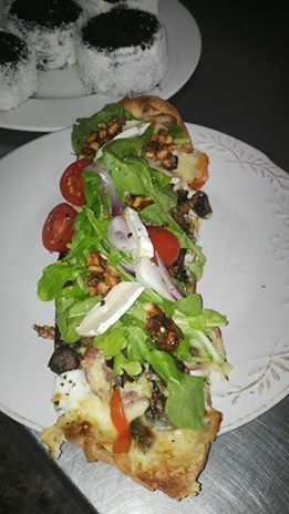 Start the week with what is fast becoming one of our most popular Breakfasts! A Breakfast, yoghurt pizza. Flatbread topped with Bulgarian Yoghurt, scattered with bacon; mushroom; onion marmalade; Mozzarella and Gruyère. Topped with rocked, cherry tomato and salted peanut brittle! Totally awesome.....