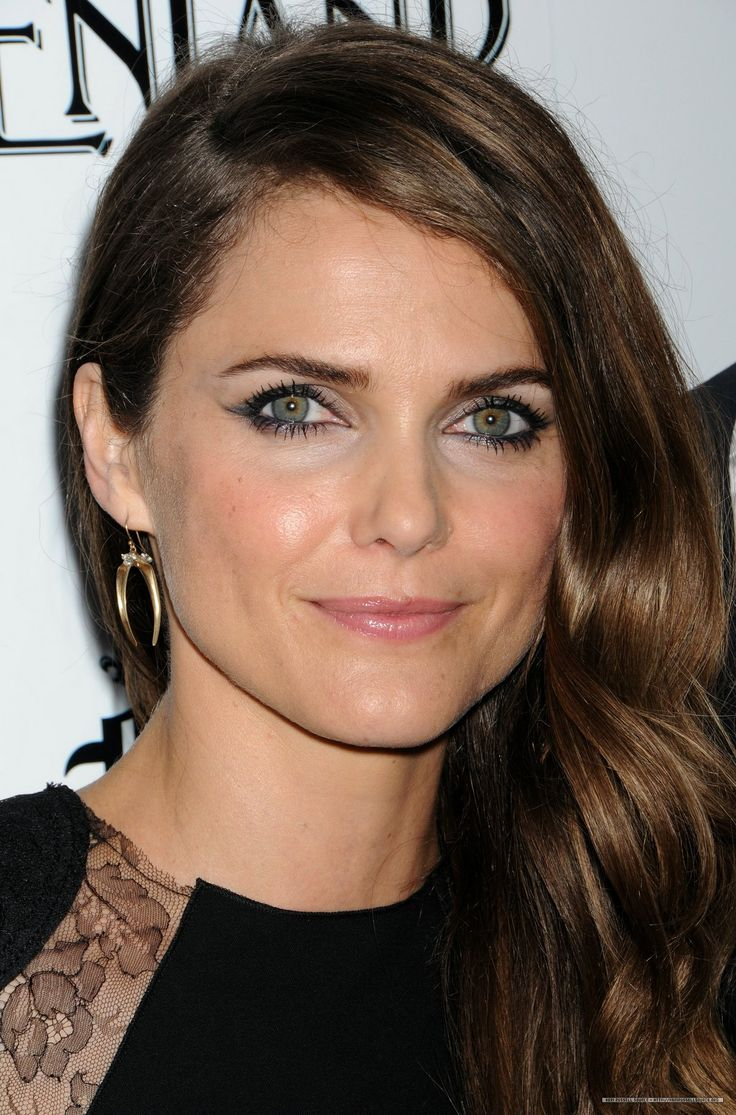 Keri Russell - like the minimal makeup w/ smoky eye ...