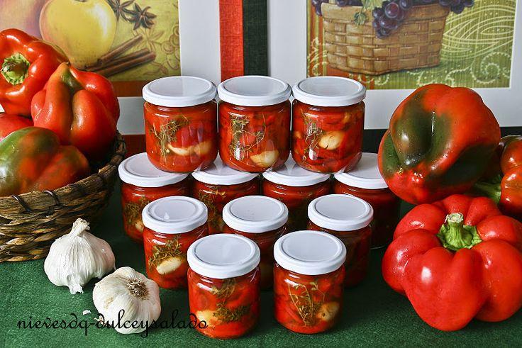 Ingredientes    - pimientos  - ajo  - tomillo, orégano, albahaca... (las hierbas aromáticas que gusten)    Preparación    - Lavar y secar b...