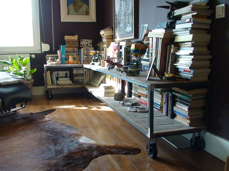 Mesas/librería industrial en hierro y tarima recuperada