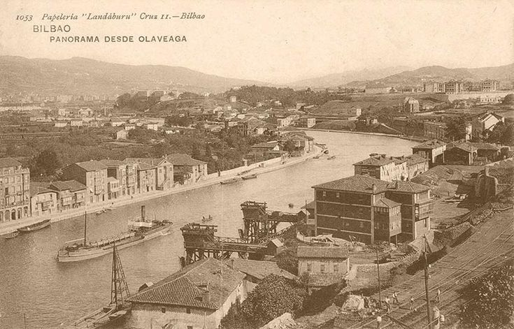 Riverside of Deusto, c. 1930, with 2 loaders in Olabeaga.