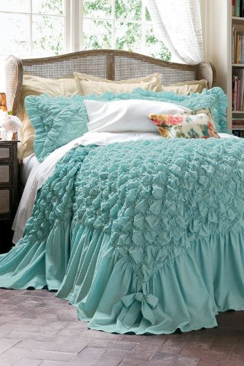 Beautiful smocked coverlet http://rstyle.me/n/ktzqhnyg6