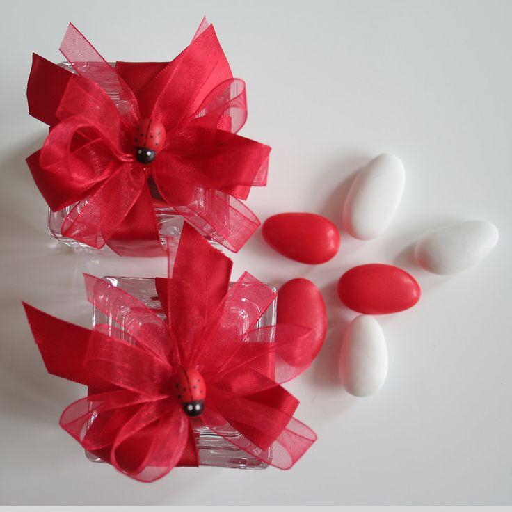 Per la tua #laurea #Scatolina in #cristallo completa di 5 #confetti al #cioccolato, nastri, fiocchi e #coccinellina.. in #promozione € 5.50... #shopping online #www.tiffanystore.eu #giardininaxos
