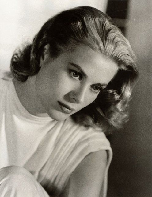 Grace Kelly, 1950'sPrincesses Grace, Gracekelly, Hollywood Glamour, Famous People, Art Prints, Grace Kelly, Icons, Beautiful People, Nature Beautiful