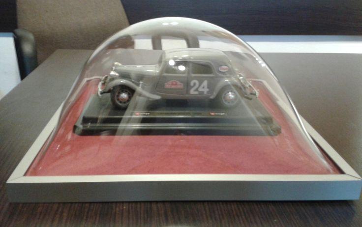 Mój pamiątkowy samochodzik wreszcie nie będzie się kurzył dzięki 3d frames!