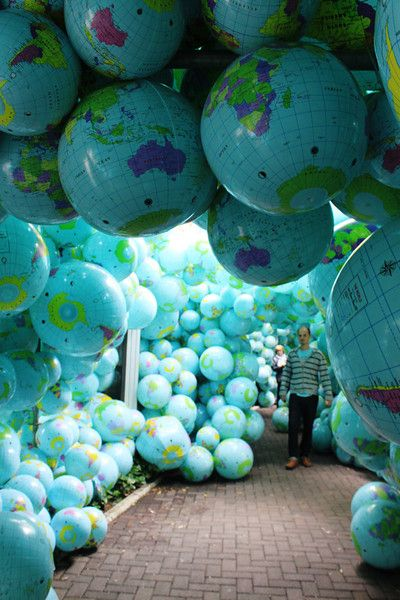 Globes everywhere!!! How awesome is this!?! I need a hallway of globes in my life now!