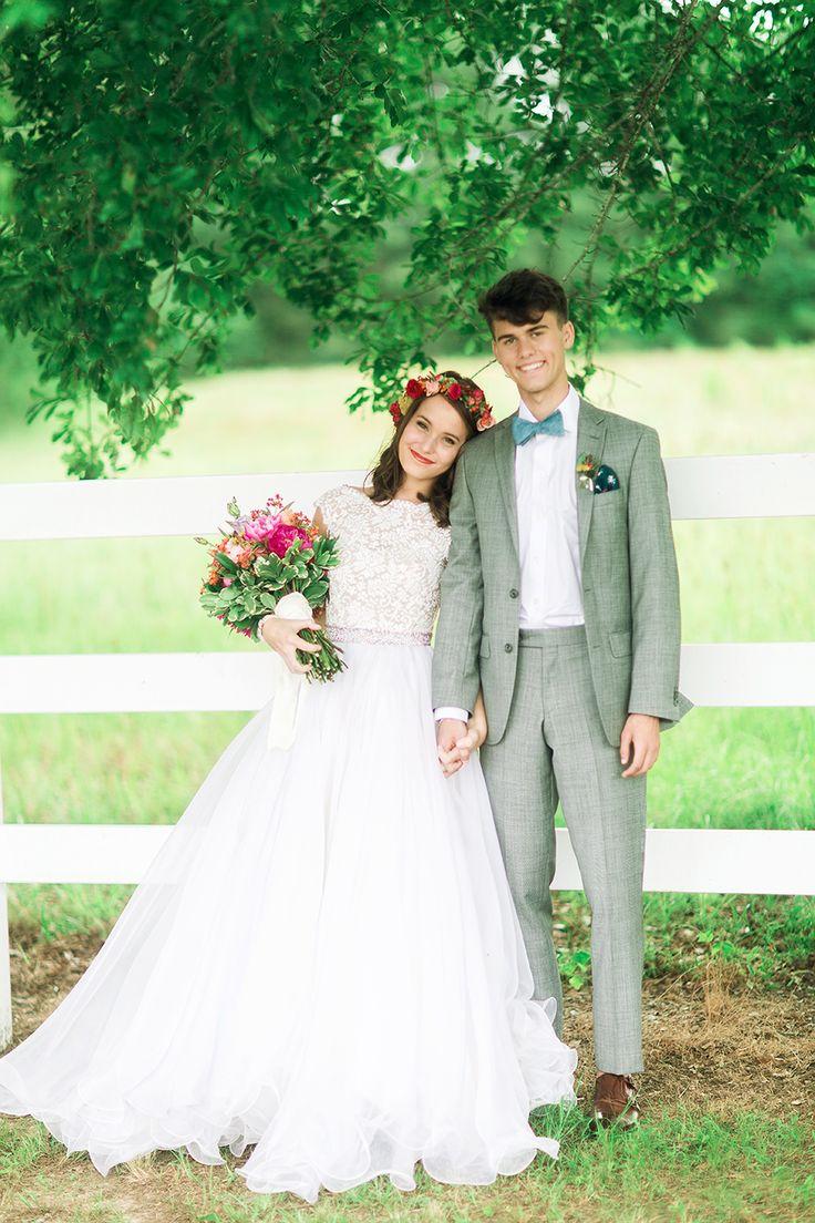 Lisa robertson in wedding dress - John Luke And Mary Kate S Duck Dynasty Wedding