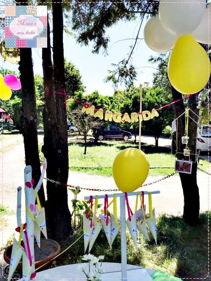 Fim de semana muito colorido com a festa do PRIMEIRO ANINHO da princesa MARGARIDA <3   Mesa de doces ainda em preparação, com: *cones de pipocas  *grinalda com nome <3   Espaço muito agradável no Cubo A Cubo BerçárioCreche.  +INFO: mimeoseubebe@gmail.com ou mensagem privada no FB  #mimeoseubebe #mime #festaslindas #Deusémaravilhoso