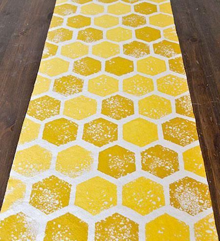 2013 08 12 Mailloux Honey Bee Bridal Shower Diy Honeycomb Table Runner Step9 450x491 Quilt RunnersHoney BeesSpelling