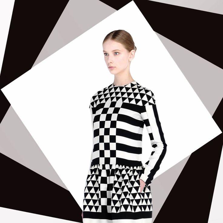 Valentino black and white #BW #Optical #valentino #Luxury #Fashion