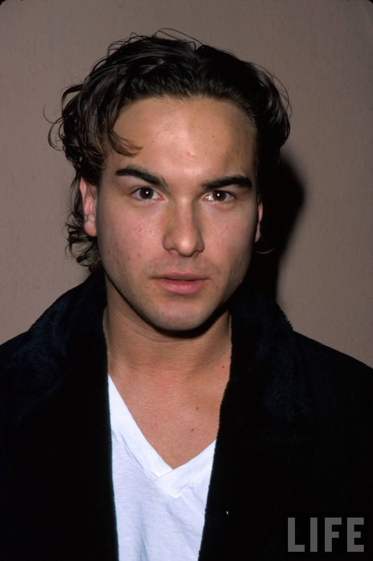 Leonard...  Johnny Galecki ( the big bang theory ) He is my fave :]
