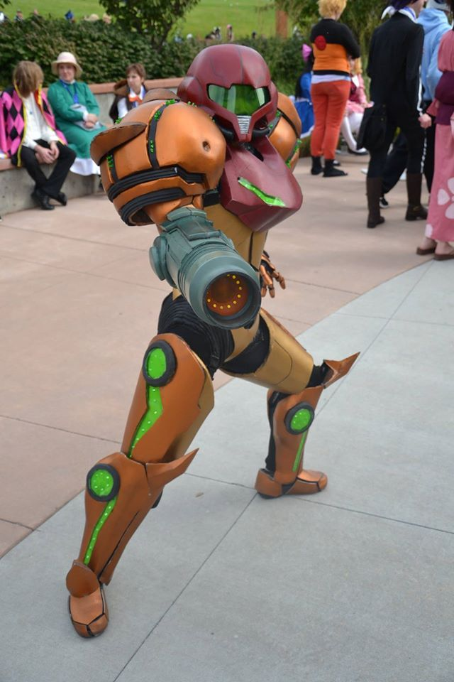 Awesome Samus Cosplay