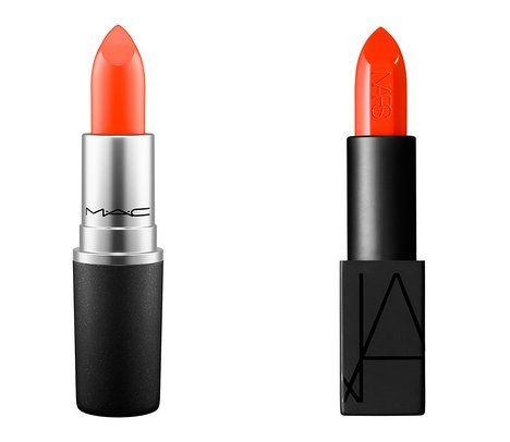 Na foto (zleva): rtěnky Sheen Supreme, odstín Morange, MAC, 550 Kč a Audacious Lipstick, odstín Geraldine, Nars, prodává Sephora, 870 Kč; archiv firem