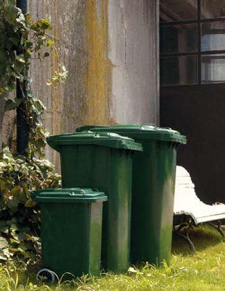 Dulton(ダルトン)のゴミ箱 | ケンボーのブログ 庭で遊んだり、バーベキューのすることの多い我家ではこれから大活躍するはずです。