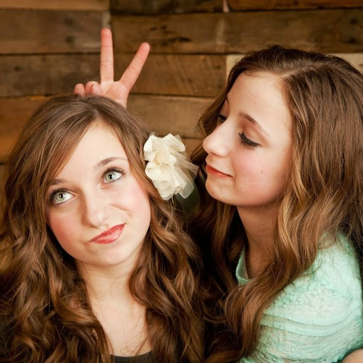 Brooklyn and Bailey on Youtube, go subscribe to them, they're so amazing!!