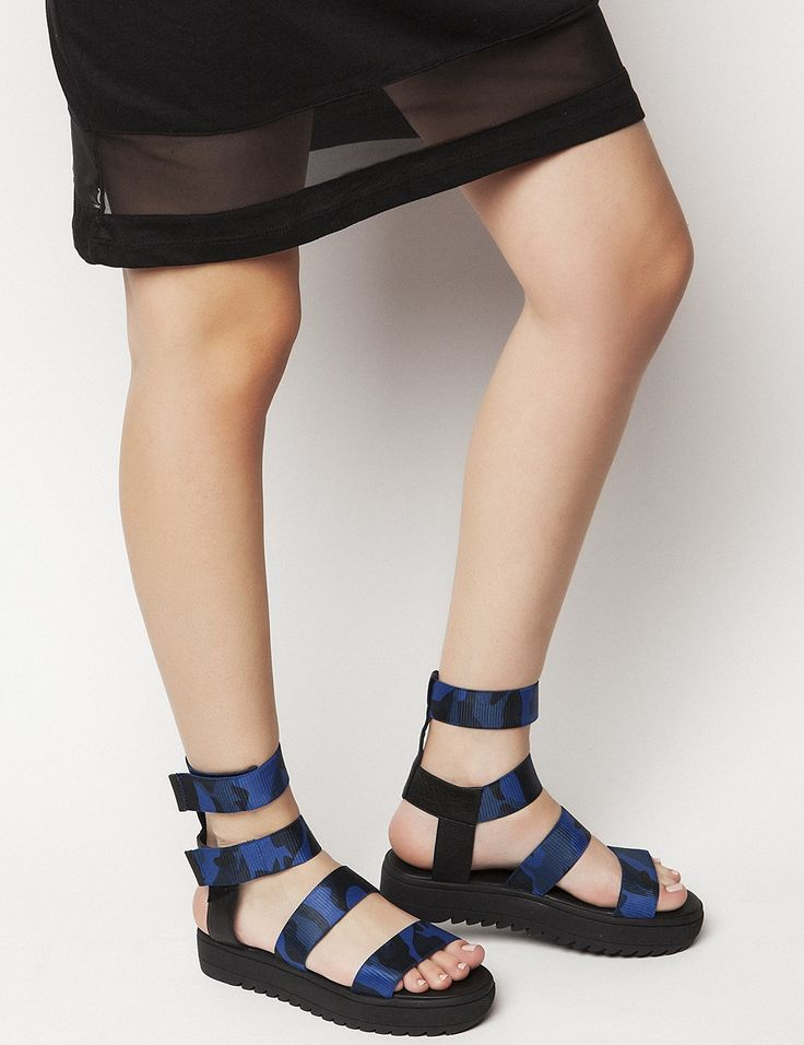 Jesse Blue Flatforms S/S 2015 #Fred #keepfred #shoes #collection #fashion #style #new #women #trends #flatforms #lastixa #sandals #black #blue