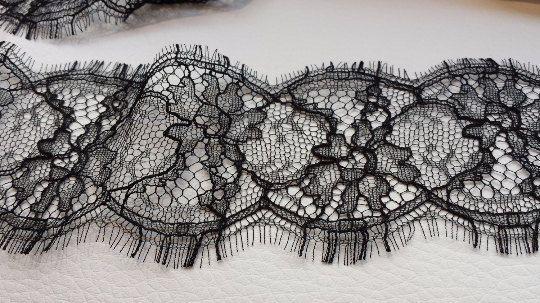 SOLSTISS noir dentelle noire Chantilly dentelle par ImperialLace