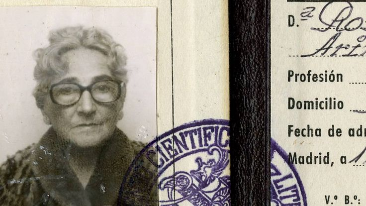 Pasaporte de la escritora Rosa Chacel