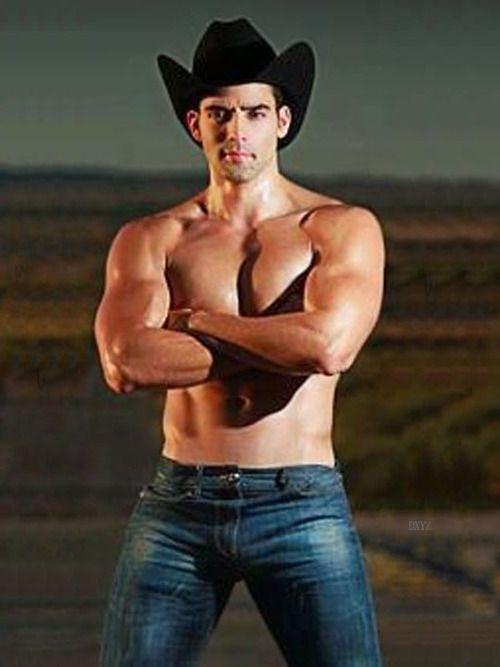 naked cowboy free pics