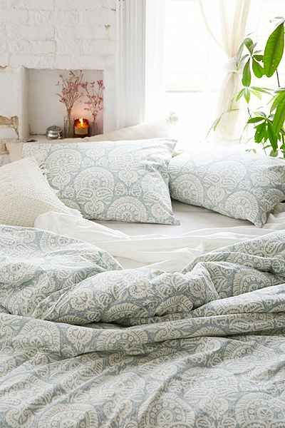 Magical thinking bandhani duvet cover urban outfitters Magical thinking bedding