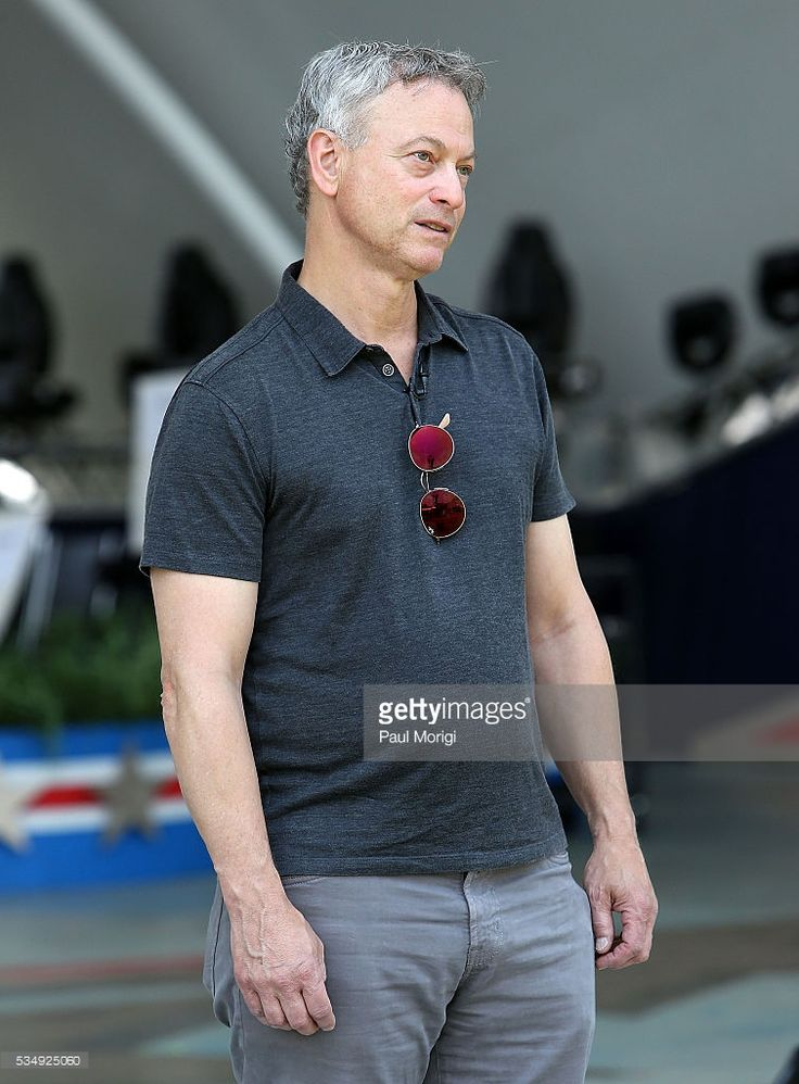 Actor and show co-host Gary Sinise onstage during the 27th National Memorial Day…
