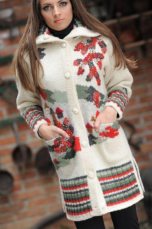 Купить Вязаное пальто W11 - рисунок, яркий, красные ягоды, орнамент, домики, теплое пальто