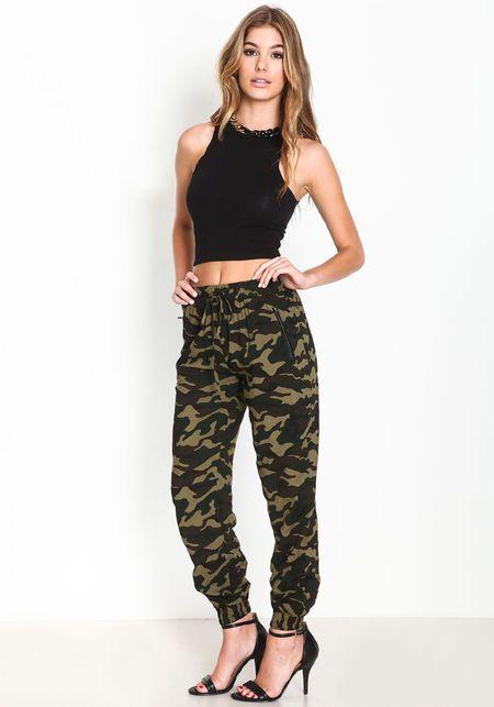 plain camo joggers outfit women's pants