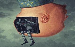 Închisoarea, puşcăria sau temniţa din vise se referă adeseori la o limitare resimţită în lumea ta interioară sau exterioară, eventual la fap...