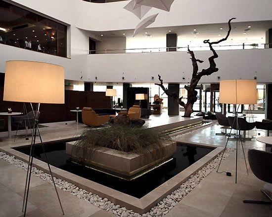 Best 25 hotel lobby design ideas on pinterest hotel for Budget design hotel