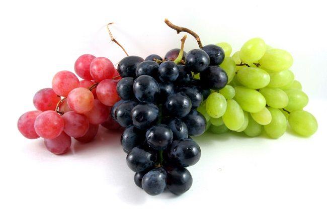 Uva morada y uva verde deliciosas en ensaladas y yogurt - https://www.notimundo.com.mx/salud/uva-morada-uva-verde/