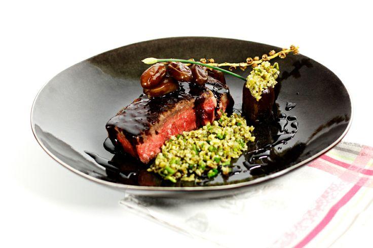 Philou - Un Cuisinier chez Vous -Entrecôte de boeuf grillée et laquée Salade de blé vert et dattes   http://www.uncuisinierchezvous.com/2014/03/entrecote-de-boeuf-laquee-ble-vert-et-dattes.html