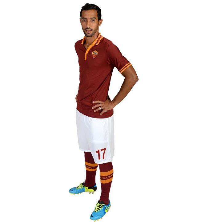 Mehdi Benatia (17) Acquista per giocatore Nato il 17 aprile 1987 a Courcouronnes, in Francia. È altro 1 metro e 91cm e pesa 91 kg. Ha esordito in Ligue 2 il 28 luglio 2007, in Serie A il 12 settembre 2010.