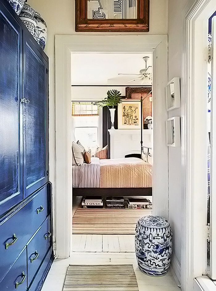 Alabama interior designer William McClure's space begins with a neutral base…