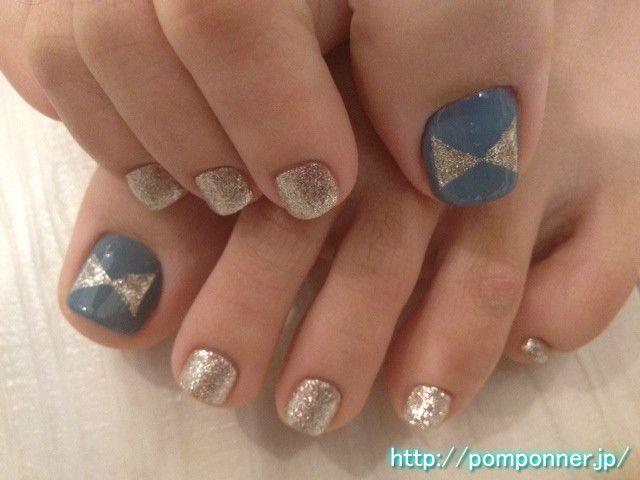 Blue-gray color and nail foot chandelier シャンデリアカラーとブルーグレーのフットネイル