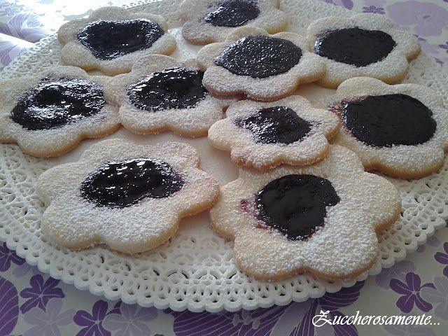 Zuccherosamente...: Biscotti in pasta frolla con marmellata alle more ...